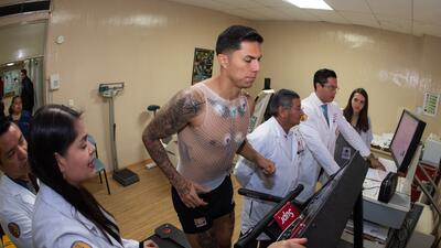 En fotos: así fueron las pruebas médicas de Carlos Salcedo para ser parte de Tigres UANL
