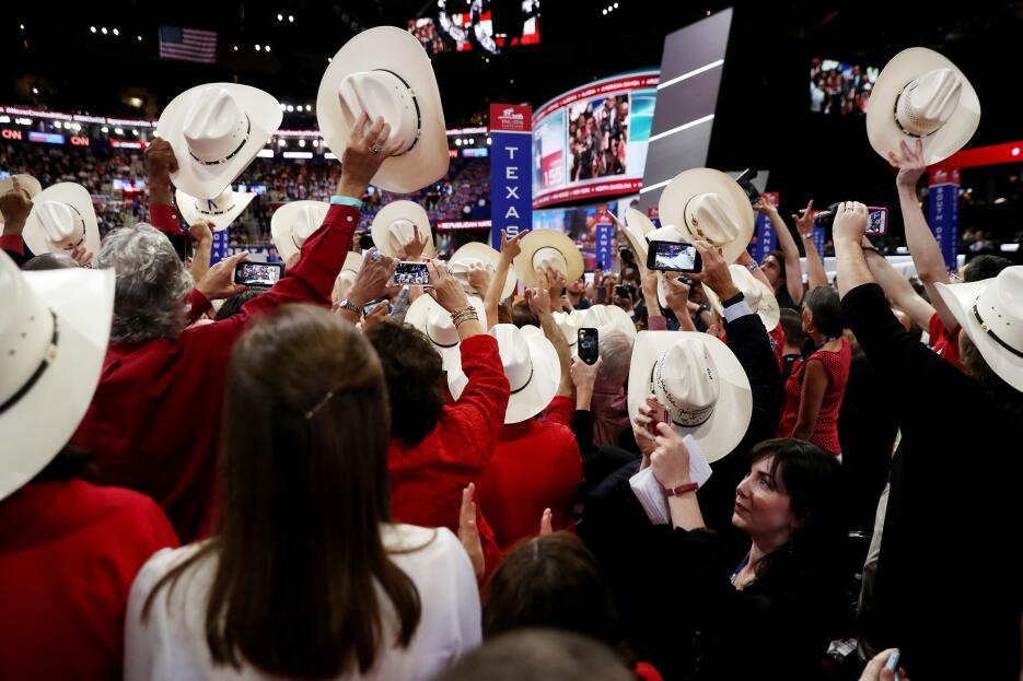Delegados del Texas vuelcan sus votos al senador de este estado Ted Cruz