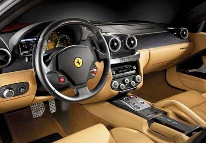 Además del volante y manettino, el tacómetro central con una opción de m...