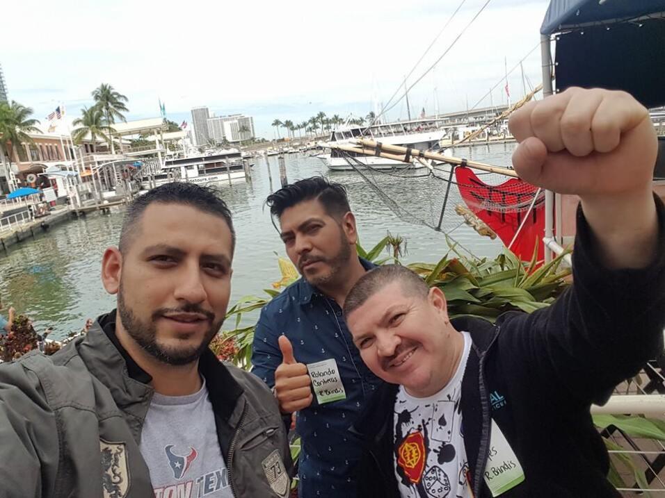 Raul, Caraturky, Rolis, el Caballo y la Estampita están disfrutando Miami.
