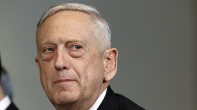 El Pentágono habilitará dos bases militares para instalar campamentos de inmigrantes, afirma Mattis