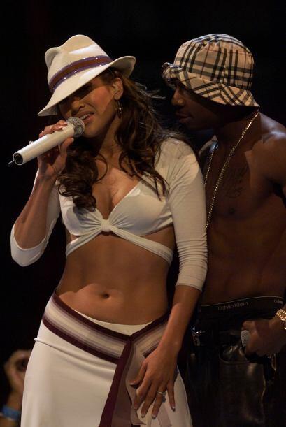 Hizo duetos con varios raperos. Con Ja Rule hizo el remix de 'I'm Real'...