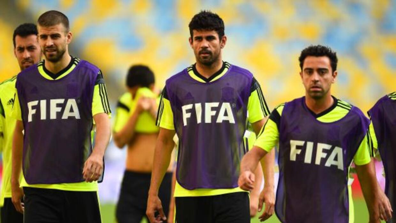 Piqué y Xavi no iniciarán ante Chile.