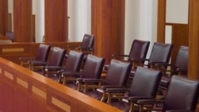 El juez del distrito anuló la primera decisión judicial, declarando que...