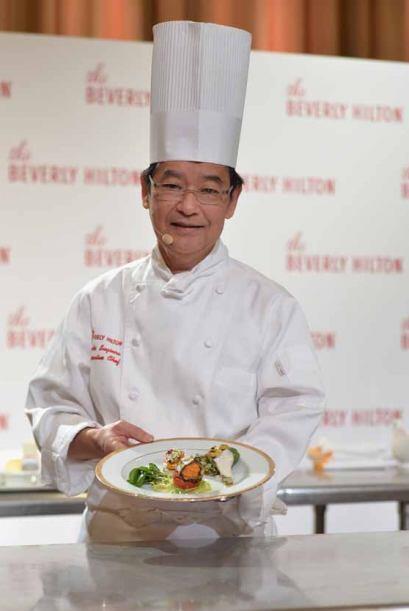 Chef Suki Sugiura preparó su especialidad, un trío aperitivo, con vegeta...