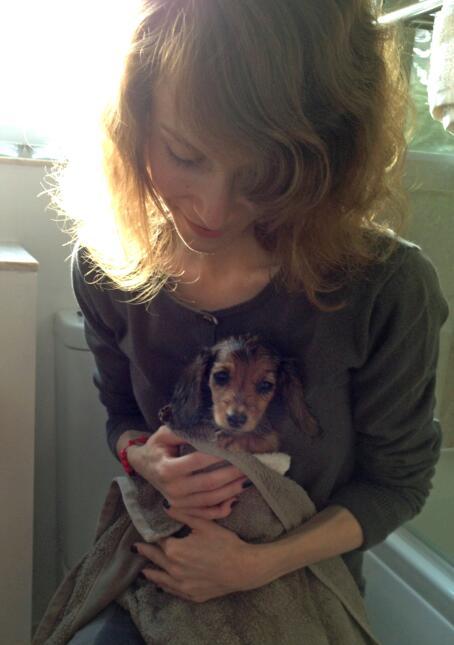 Su perrito la salvó de morir por anorexia