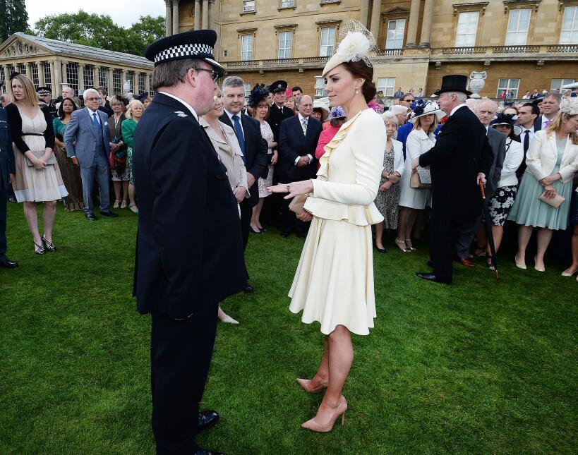 Los 50 mejores vestidos que usó Kate Middleton en 2016 GettyImages-53396...