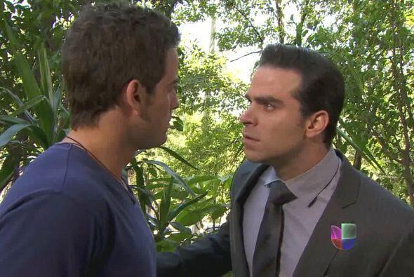 Patricio no piensa soportar a Ignacio y le ofrece comprar una casa en su...