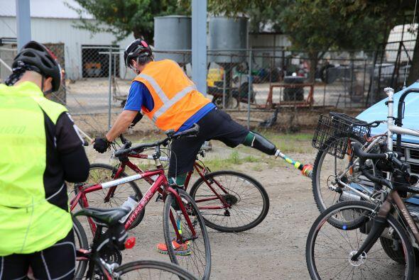 Subirse a la bicicleta es una de las tareas más complicadas.
