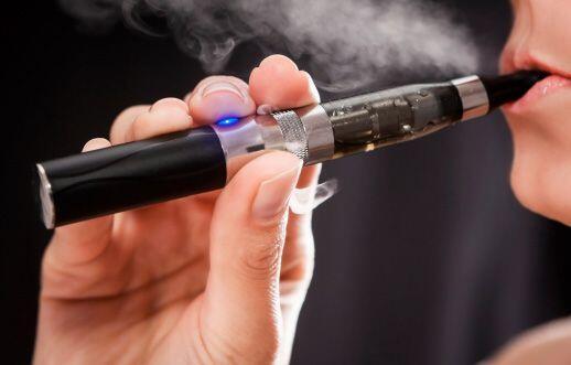 En los Emiratos Arabes Unidos estan prohibidos los cigarrillos electróni...