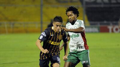 Palmeiras consigue vital empate ante Rosario Central