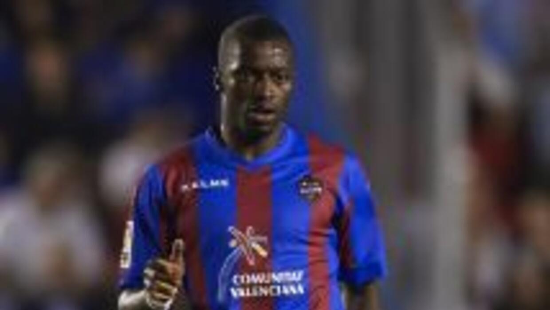El delantero senegalés Pape Diop firmó el gol del triunfo levantino en V...