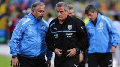 """scar Tabárez, reservó a 29 jugadores de cara a los dos partidos de repe..."