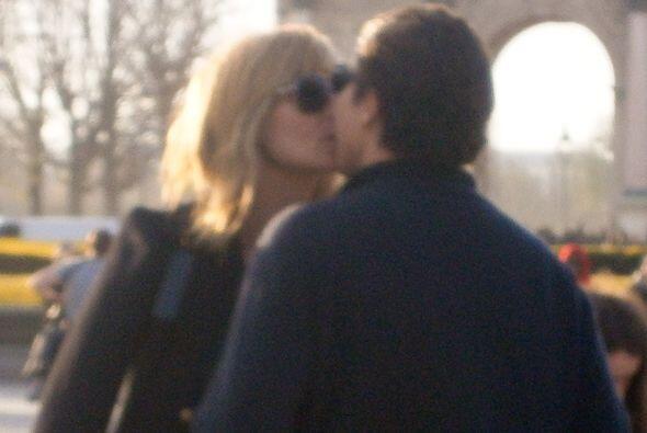 Heidi y Vito están de paseo por París. Mira aquí los videos más chismosos.