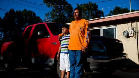 A Juvenal Domínguez le preocupa qué pasará con su niño de 8 años con nec...
