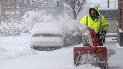 Tormenta de nieve deja al menos 4 muertos, 20 millones de afectados y miles de vuelos cancelados