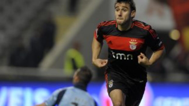 Eduardo Salvio celebra su gol contra el Sporting Braga.