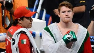 A Eddy Reynoso le gustaría ver al 'Canelo' peleando cn Miguel Cotto.