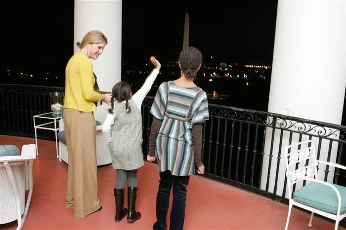 Las divertidas fotos de la primera visita de Malia y Sasha a la Casa Blanca