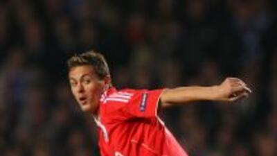 El serbio Nemanja Matic renovó su contrato con el Benfica por tres años,...
