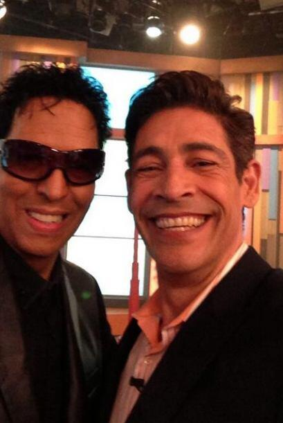 """""""Foto con el maestro Bony Cepeda, fue un placer tenerte en casa"""", coment..."""