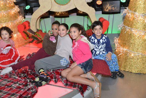 Nuestras pequeñas bailarinas estaban más que felices de poder participar...