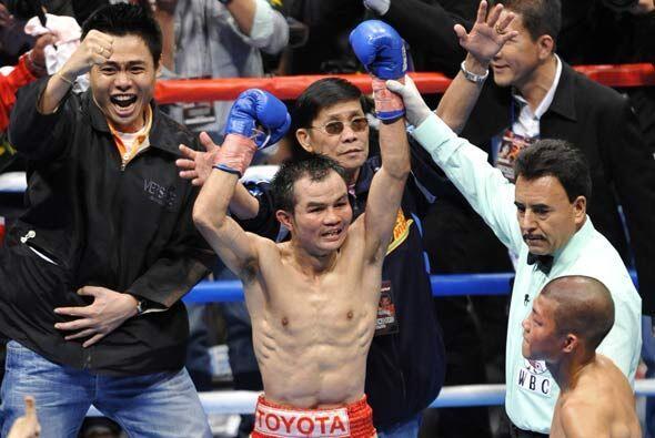 Aunque no tumbó a su rival, el tailandés ganó por d...