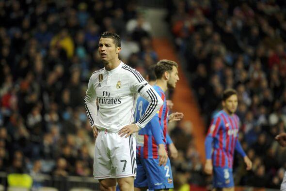 Cristiano Ronaldo, quien ya no es el Pichichi de la Liga, se mostró mole...