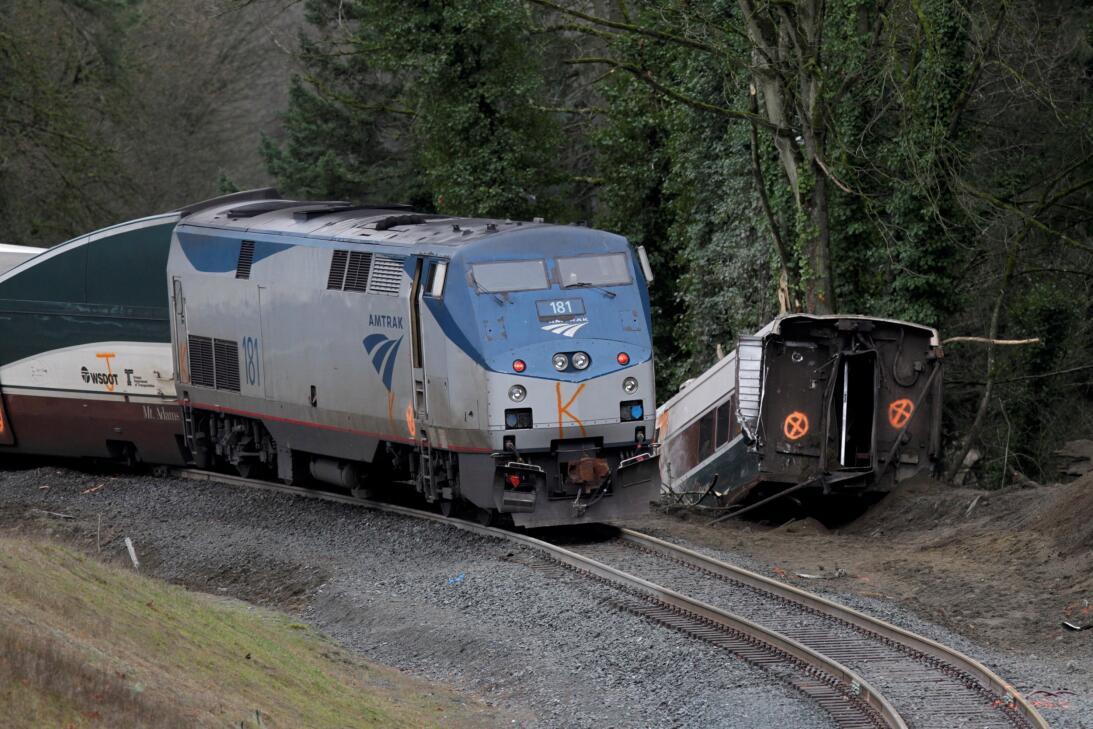 Tren descarrilado en Seattle