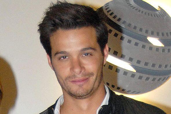 """Este joven actor inició su carrera en las telenovelas con """"Verano De Amo..."""