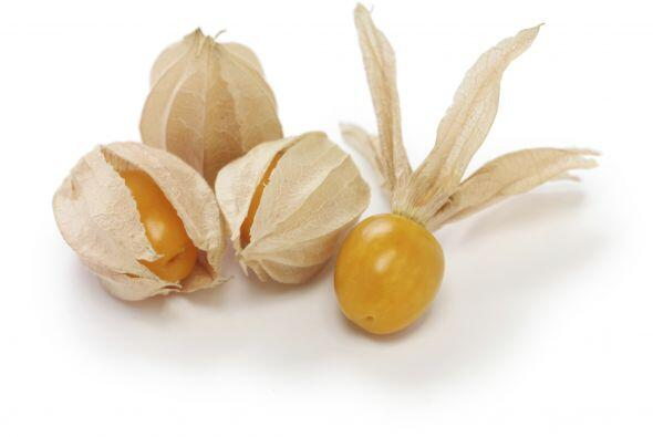 Aguaymanto. De sabor agridulce, se le conoce también como uchuva, alquej...
