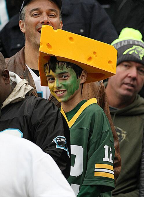El juego entre Carolina y Green Bay de la semana 9 de la NFL tuvo varias...