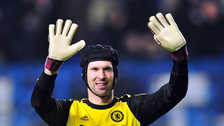 Petr Cech finalmente abandona Chelsea y cierra su traspaso al archirriva...