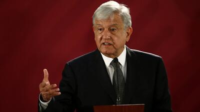 La decisión del nuevo presidente de México de viajar en vuelos comerciales implica mucho riesgos para él y para el resto de los pasajeros