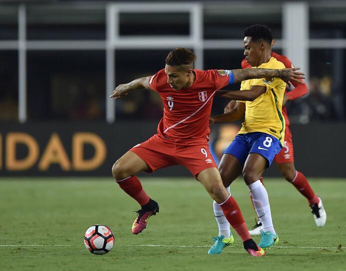 El ranking de los jugadores de Brasil vs Perú Guerrero.jpg