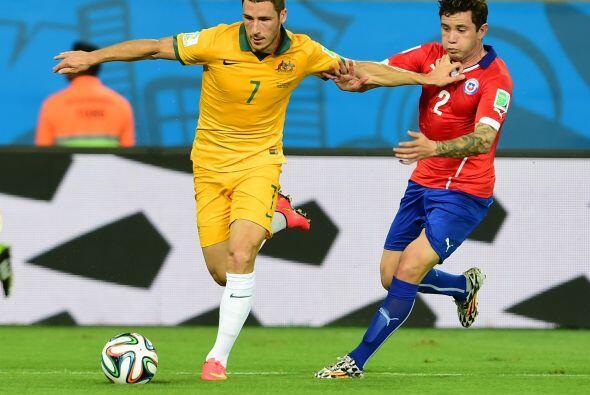 Tras los dos goles anotados, Chile dejó de presionar por lo que Australi...
