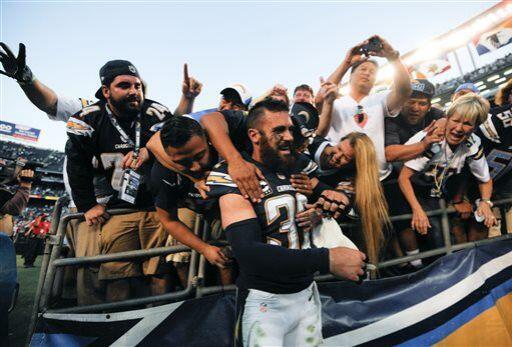 Eric Weddle, profundo de los San Diego Chargers (AP-NFL)