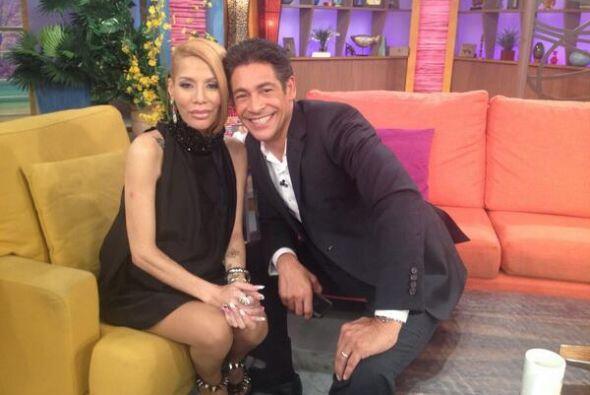 """""""¡Sabor boricua! @johnnylozada con @IvyQueenDiva en #DespiertaAmerica"""",..."""