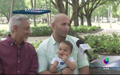 Papo Brenes está loco de contento con su nieto