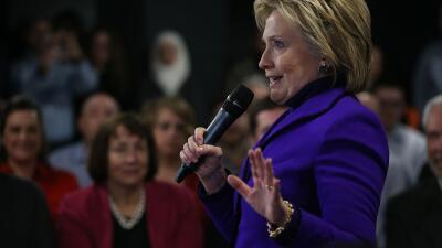 Clinton apunta a los hispanos en Nevada con un anuncio sobre inmigración...