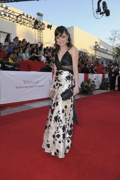 Violeta Isfel es una actriz muy joven y también una de las más elegantes...