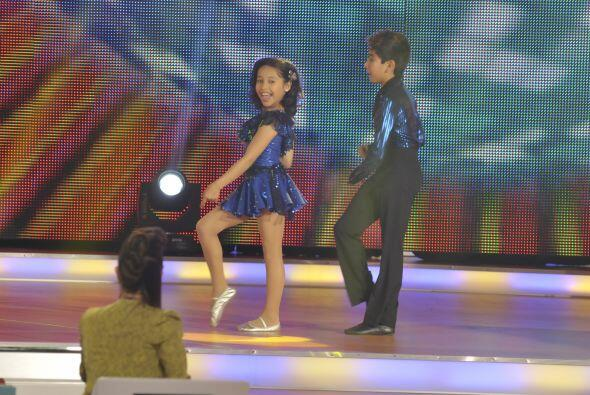 Los dos pequeños tienen gran química a la hora de bailar.