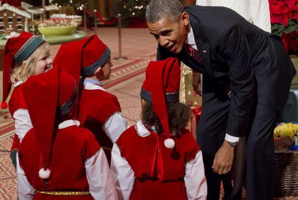 El presidente no dudó en felicitar a los duendes por su buen trabajo. Es...