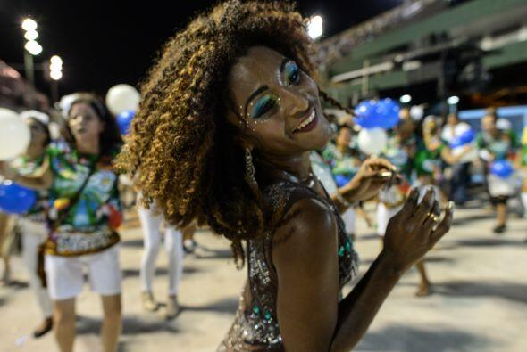 El carnaval de Rio, el más popular del mundo, deja boquiabierto a cualqu...