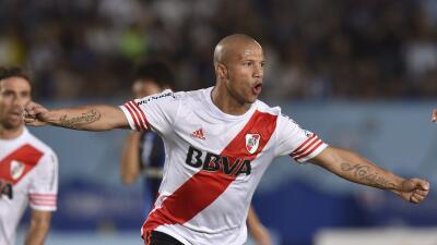 Carlos Sánchez: 'Decidí venir por que es un club inmenso'