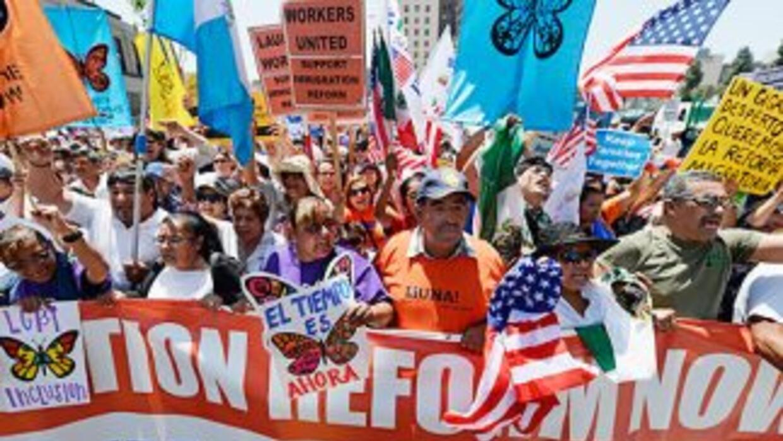 Grupos y organizaciones pro inmigrantes no abandonan las calles y anunci...