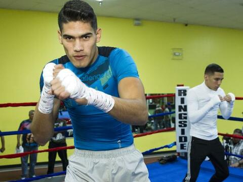 Dos boxeadores mexicanos con más futuro, 'Zurdo' Ramírez y...