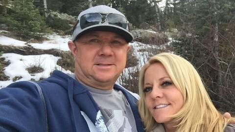 Dennis y Lorraine Carver murieron en un accidente de auto 15 días...