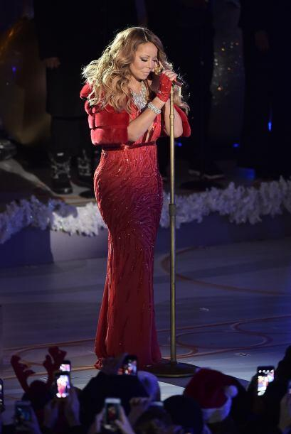 La cantante interpretó su clásico 'All I want for Christmas is you', aun...
