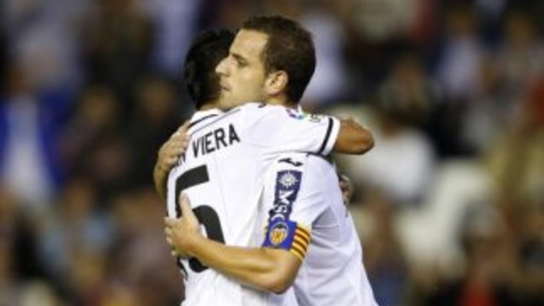 Soldado anotó para Valencia ante Osasuna.